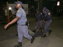 В Зимбабве прошли полицейские рейды в штабах оппозиции