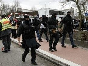 Полиция опровергла сообщения о поимке убийцы из немецкой школы