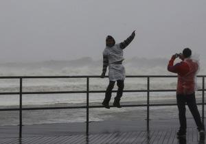 Сохраняйте позитивный настрой и делитесь с соседями: CNN дает рекомендации жителям США, попавшим в зону бедствия урагана Сэнди