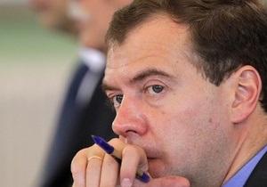 Медведеву не дали попробовать конфеты