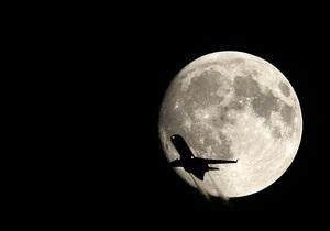 Индийский самолет совершил рейс с бомбой на борту