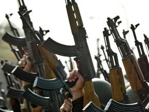 Российских судебных приставов вооружат пистолетами-пулеметами и автоматами Калашникова