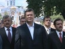 Янукович: Вопрос об отставке Кабмина остается актуальным