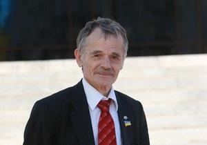 Лидер Меджлиса хочет официального статуса для крымскотатарского и русского языков в Крыму
