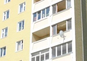 В Полтавской области из окон третьего этажа выпали двое детей