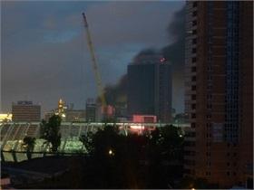 СМИ: В центре Киева вспыхнул сильнейший пожар. Есть сообщения о возгорании в метро