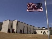 Заключенным Гуантанамо разрешат пользоваться телефонами