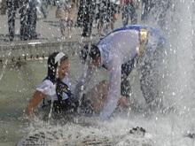 Киевские студенты проведут акцию Нет воды в кране - моюсь на Майдане!
