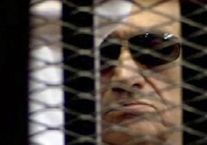 Мубарак упал в тюремном душе и получил травму головы