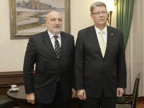 Латвийский сейм не смог отправить правительство в отставку