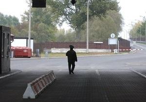 Белорусский оппозиционер вместе с женой бежал в Польшу