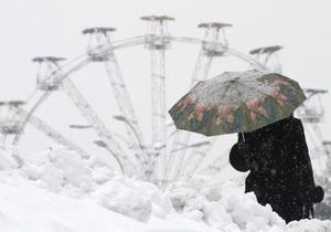 Из-за непогоды более 400 населенных пунктов Украины оказались обесточены