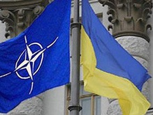 США пытаются преодолеть разногласия НАТО по Украине