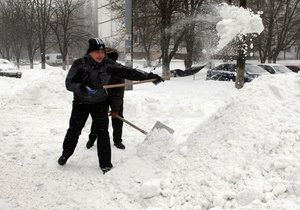Киевские власти рассказали, куда вывозят снег из столицы