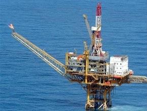 Рынок сырья: Нефть вновь снизилась, золото пошло в рост