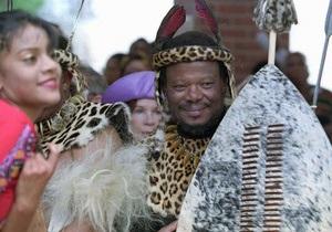 Шестой жене короля зулу Звелитини  нужен дворец