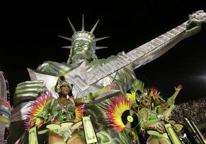 Фотогалерея: Жара в Рио. В Бразилии прошел знаменитый карнавал