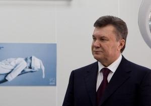 В год парламентских выборов Янукович обещает медикам существенную надбавку к зарплатам