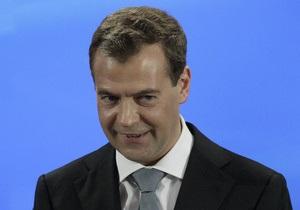 Медведев вновь совершил зарубежный визит вместо Путина