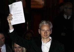Женщины, обвиняющие Ассанжа в сексуальных преступлениях, поддерживают WikiLeaks