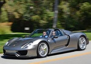 Porsche представила гибридный суперкар, способный разгоняться до 320 км/час