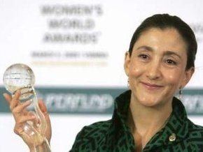 Бетанкур получила премию Женщина 2008 года