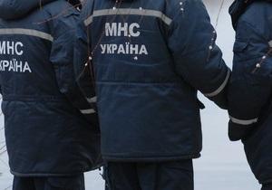 В Киеве сотрудники МЧС сняли со льдины троих подростков