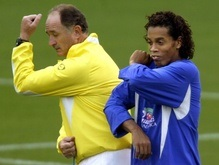 Сколари просит Абрамовича купить Роналдиньо