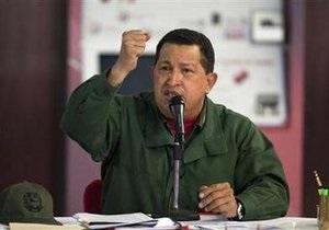 Чавес объявил о размещении танков и вертолетов на границе с Колумбией