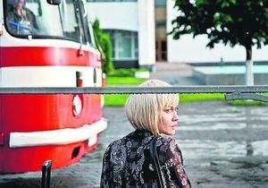 Ольгу Куриленко превратили в блондинку и состарили на 10 лет