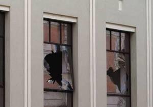 Во Львове пьяный поляк разбил окна в банке