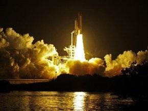 Миссия Endeavour: В NASA видели, как от шаттла отвалился кусок обшивки