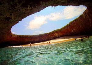 Пять самых необычных пляжей мира