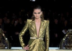 Донателла Версаче представила в Париже элегантную сексуальность