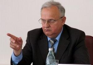 Донецкий губернатор запретил на официальных мероприятиях пить воду не с Донбасса