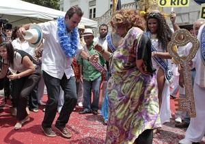 Бразильский карнавал: В Бразилии начались карнавальные шествия