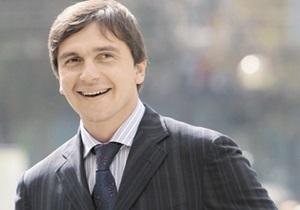Бютовец Бондарев заявил, что вооруженные налоговики ворвались в его приемную по ошибке