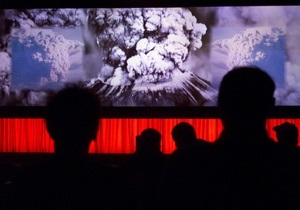 В столичном кинотеатре во время сеанса упала часть потолка