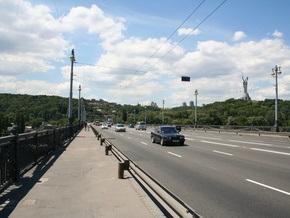 Киевские мосты через Днепр обследуют под водой