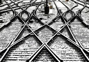 новости Луганской области - поезд - В Луганской области локомотив переехал мужчину, лежавшего на рельсах