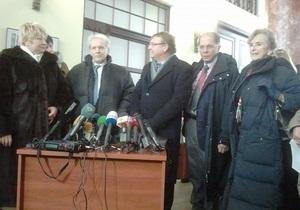 Власенко: Украинские врачи отобрали у Тимошенко выводы канадской стороны