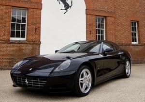 СМИ: У Ани Лорак появилась Ferrari за четверть миллиона долларов