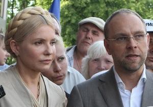 Тимошенко успела ознакомиться лишь с 4 из 14 томов дела по газу
