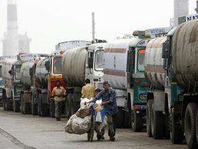 Ъ: Бензин дорожает из-за девальвации гривны