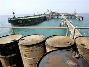 Мировые цены на нефть понизились и продолжают падать