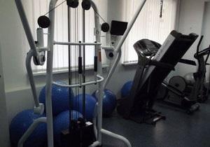 Сотрудник больницы: Тимошенко качает пресс и делает силовые упражнения с гирями
