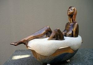 С выставки эротического искусства в Тбилиси похитили Женщину в пене