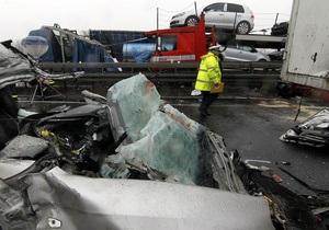 На автобане в Германии произошла авария с участием 15 автомобилей