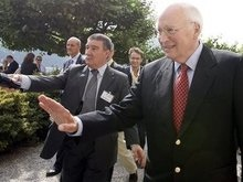 Чейни: НАТО согласно принять Украину в альянс