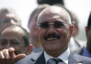 Президент Йемена впервые после покушения вернулся на родину